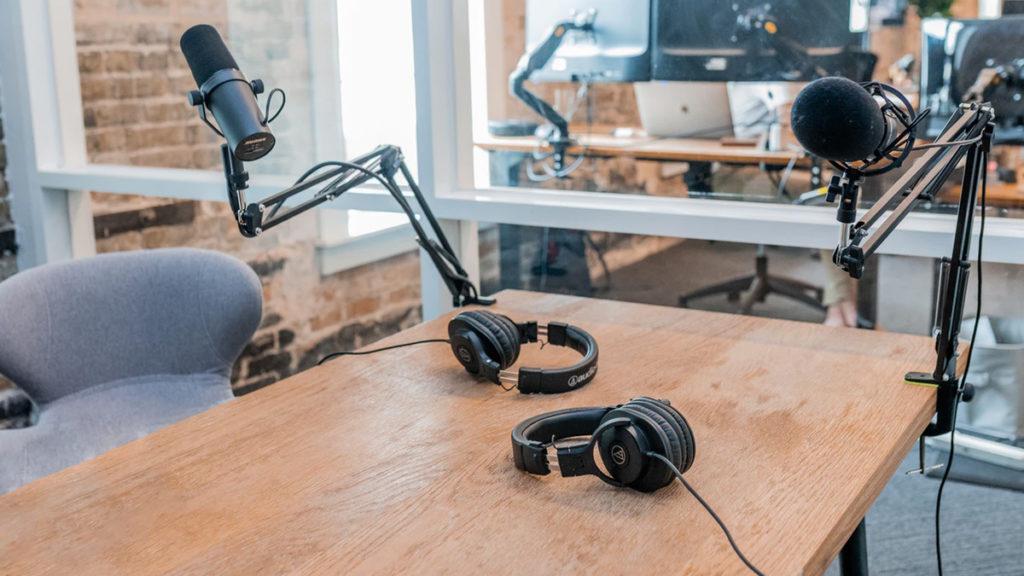 تولید پادکست یا پادپخش | چگونه محتوای صوتی تولید کنیم؟ podcast